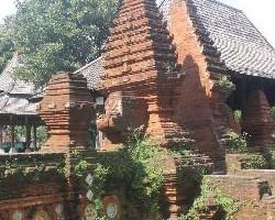 Info Wisata Hotel Cirebon Murah Bagus Dekat Stasiun Prujakan