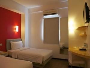 harga kamar hotel mahadria serang banten 300x225 Hotel Penginapan Villa Cottage Murah di Cilegon Anyer Banten