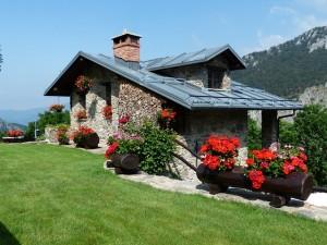 design exterior rumah sederhana 300x225 Desain Eksterior Rumah Minimalis