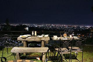 Bandung Romantic Dinner. chrisinno/wikimedia