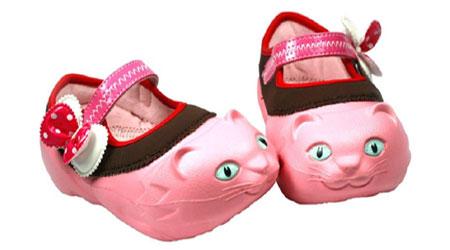 Sepatu-Bayi-Kucing-Polliwal