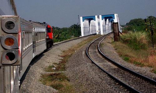 rute kereta api jakarta surabaya bogor matarmaja