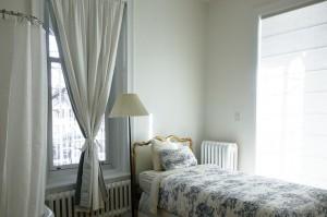 gambar tempat tidur anak perempuan minimalis