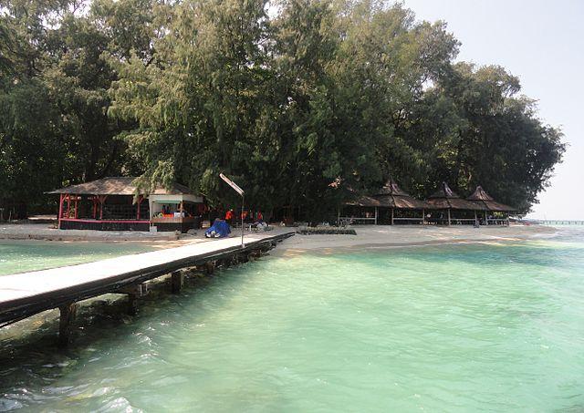 gambar foto dermaga pulau sepa