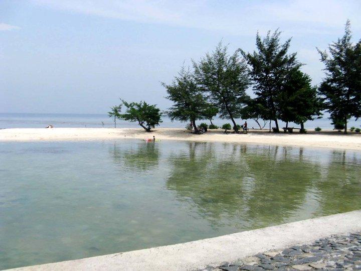 gambar pemandangan pulau tidung pantai lokasi kapal menuju homestay penginapan
