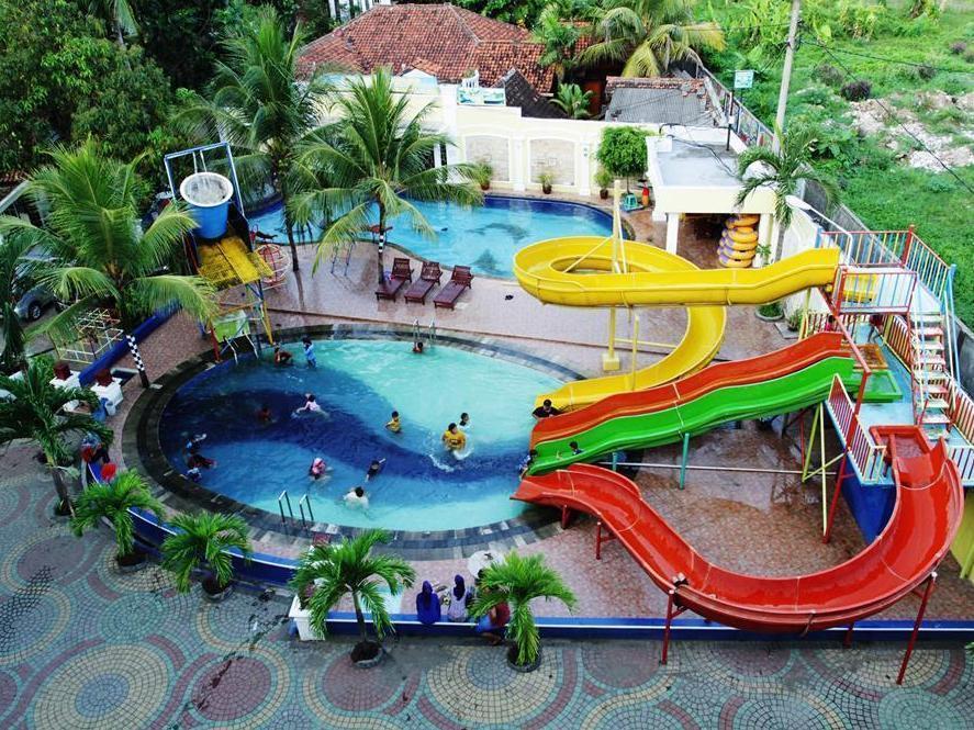 foto hotel aquarium pangandaran